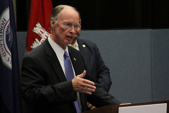 Governor Turns His Back on Educators
